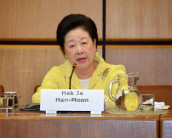 Dr Hak Ja Han Moon addresses conference in Vienna on 11 May 2015