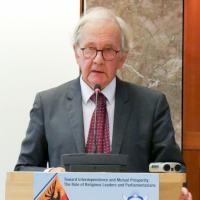 Dr. Adrian Holderegger